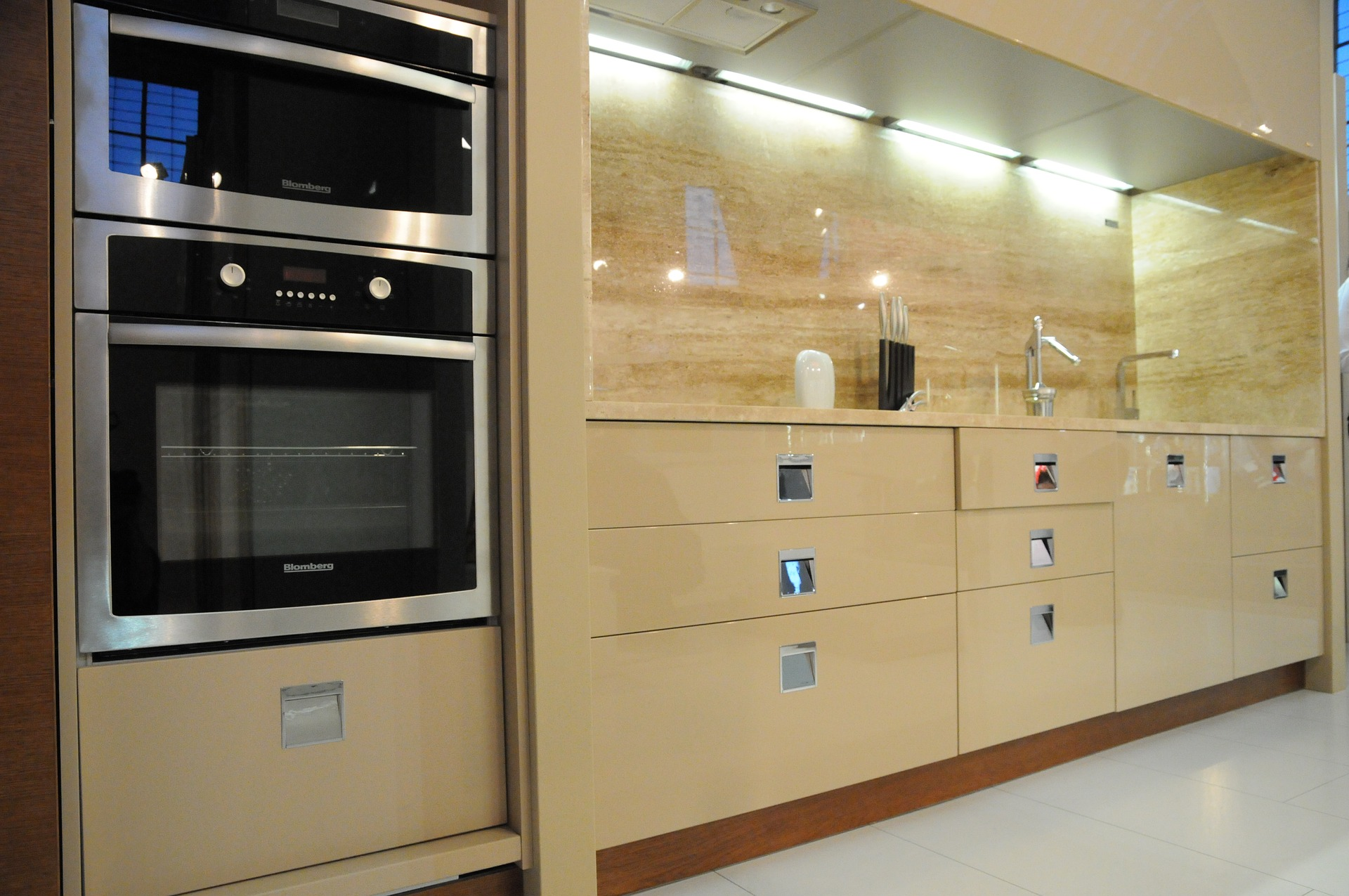 What Makes Modular Kitchen Designs So Popular Among The Homemakers?